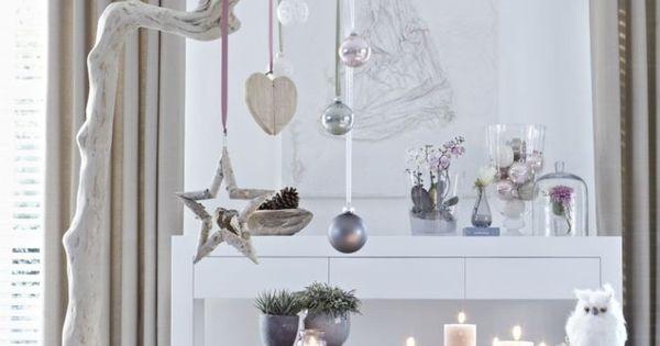 skandinavischer stil weihnachtsdeko echtholz wei und helle lilat ne wei e wohnzimmer. Black Bedroom Furniture Sets. Home Design Ideas