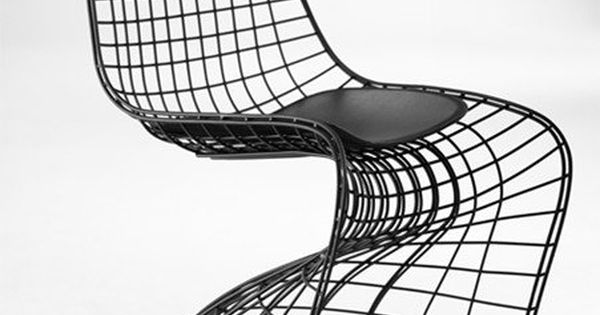 ghost chaise design m tallique fa on grillage noir empilable tendance grillage pinterest. Black Bedroom Furniture Sets. Home Design Ideas