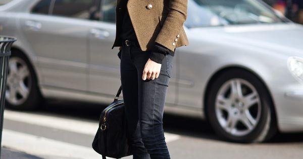 Geraldine Saglio, military green blazer, black jeans and heeled boot