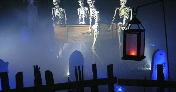 Skeleton pallbearers. Nice fog rolling through. LIGHTING IS EXCELLENT!!! | See more about Skeletons, Halloween and Swimming Pool Parties.