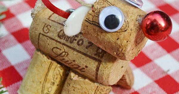 Holiday craft idea with left over wine corks!