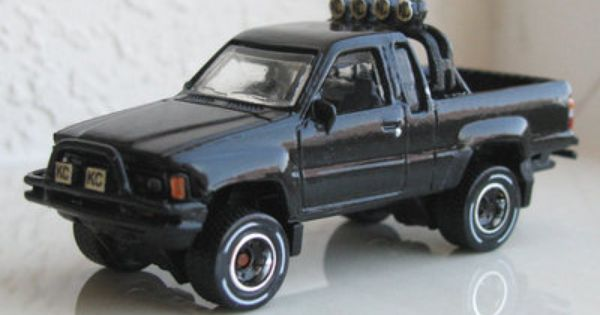 toys: back to the future toyota truck 1985 toyota 4x4 pickup marty mcfly's truck diecast toys ...