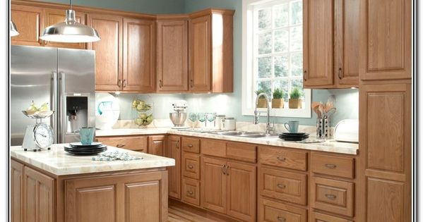 Kitchen paint color trends 2015 with natural color wood for Kitchen remodel keeping oak cabinets