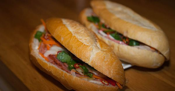 Vietnamese Bread Rolls Banh Mi Thit Vietnamese Food Pinterest Broed