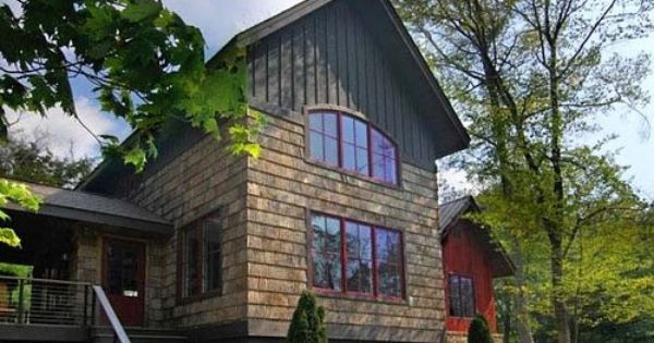 Houzz Tour A Horse Country Home Blends Rustic And Modern Shingle Siding Rustic Exterior Shingle House