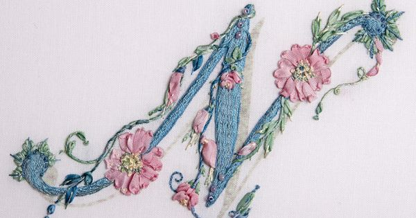 I ribbon embroidery used two strands of silk