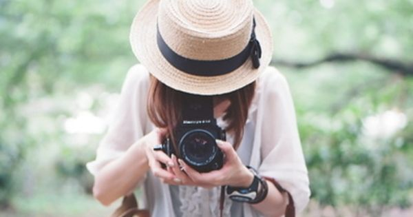 Womand and her Camera | Woman with camera | Pinterest | Hair ...