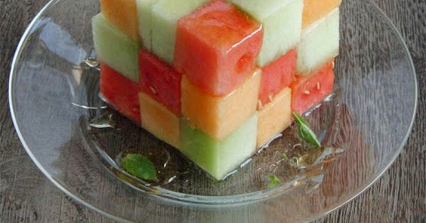how to cut melon for fruit platter
