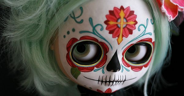 Sugar skull Blythe. day of the dead skulls