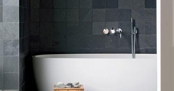 La salle de bains avec baignoire en corian sol en pierre for Deco salle de bain baignoire