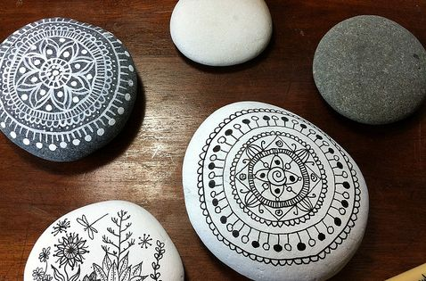 painted mandala rocks - gives me an idea for polymer clay pendants