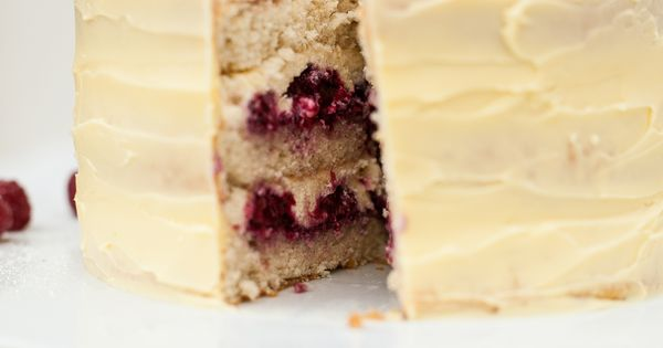 Frostbitten Raspberry Cake | Recipe | Mascarpone, Cakes and Cream