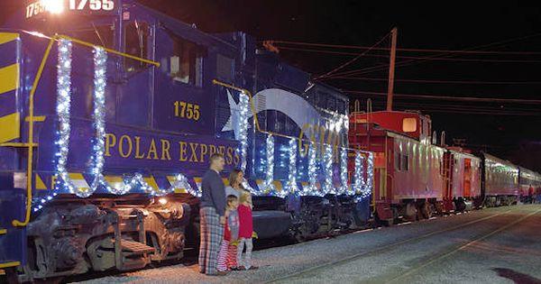 Polar Express Train Nc Smoky Mountains Polar Express Train Polar Express Smoky Mountains Nc
