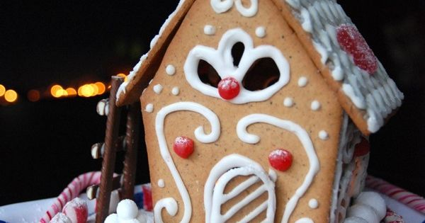 Fi christmas pinterest gingerbread houses house and gingerbread