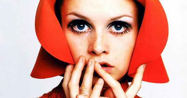 "< Twiggy > ""The sixties were a time when ordinary people could"