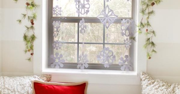make snowflake hanging window decorations like this - prettier with beads! 65