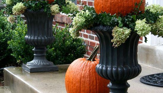 eabdesigns.typepad better decorating bible outdoor fall porch halloween decorating ideas corn pumpkins