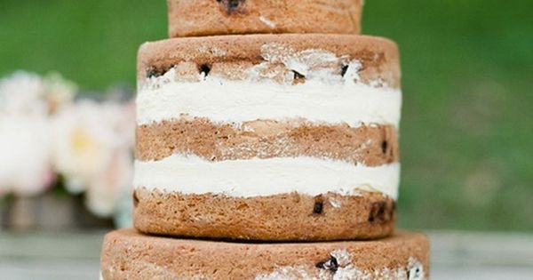 chocolate biscuit wedding cake icing a chocolate chip cookie wedding cake maybe cover it with 12686