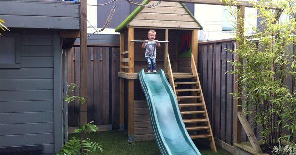 Speelhuis tuin op maat gemaakt incl glijbaan en bankjes in het huisje boven en beneden www for Beneden tuin