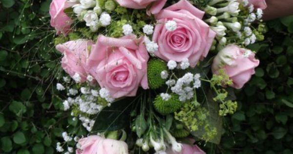 brudbukett rosa rosor brudslöja - Sök på Google | blommor ...