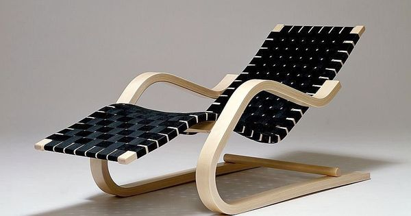 Black blond chair black and white decor pinterest for Alvar aalto chaise lounge