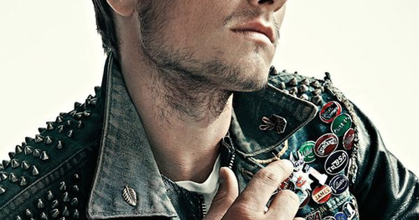 Josh Hutcherson. This is too much hotness to handle..