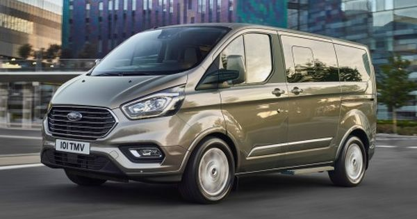 Facelifted 2018 Ford Tourneo Custom Minivan Goes Upscale