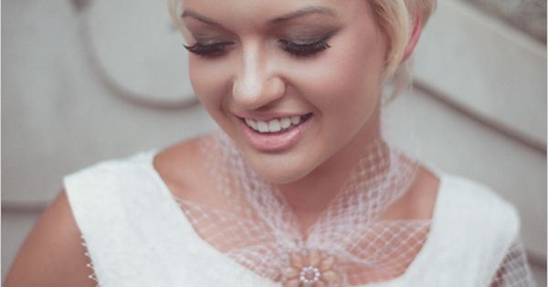 short vintage wedding hair style. | CHECK OUT MORE IDEAS AT WEDDINGPINS.NET
