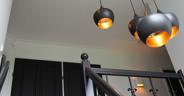 tom dixon beads lampen in het trapgat westeinde. Black Bedroom Furniture Sets. Home Design Ideas