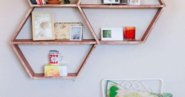 diy wandregal in wabenform kreative idee f r ihr zuhause. Black Bedroom Furniture Sets. Home Design Ideas