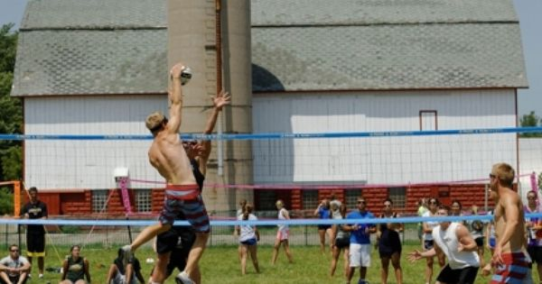 Waupaca Boat Ride Volleyball Tournament Info From Volleyball Magazine July 11 13 Waupaca Boatride Oshkosh Volleyball Tournaments Volleyball Local Hotels