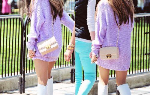 Pin De Yio En Ariana Grande: Ariana Grande Lilac Sweater Outfit