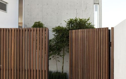 Exterior modern fencing.