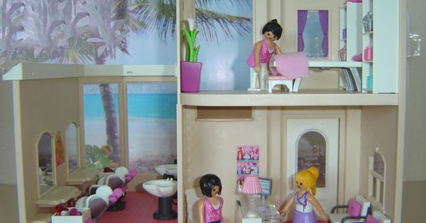 Sylvanian families beauty salon playmobil meets for Salon playmobil