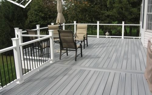 Best Gray Deck With White Posts And Black Spindles By Eddie 400 x 300