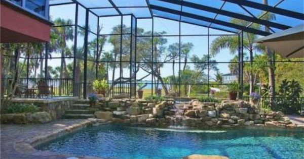 Escape To This St Petersburg Fl Pool And Enjoy Bug Free Protection With Screened In Backyard Outdoor Pool Pool St Petersburg Fl