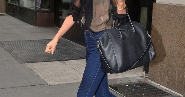 Miranda Kerr in leopard flats