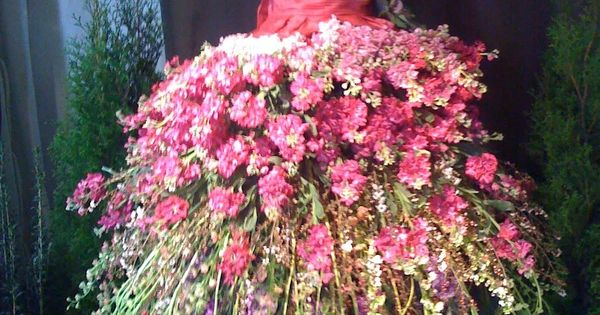 Flower fairy dress. .....beautiful idea for your Garden
