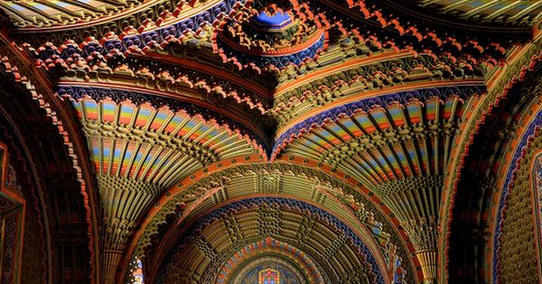 THE PEACOCK ROOM IN CASTELLODI SAMMEZZANO - REGELLO TUSCANY ITALY