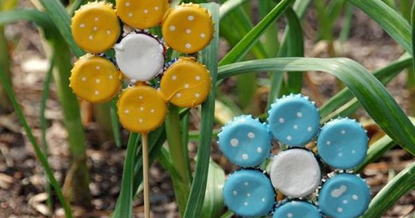 Bottle cap flowers bottle cap flowers pinterest cap for How to make bottle cap flowers