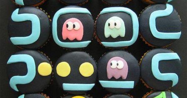 Old School Pac Man Cupcake Cake! Sweet.