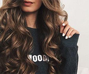 16 Easy Hair Tutorials For Big Loose Curls Gurl Com Hair Styles Long Hair Styles Curly Hair Styles