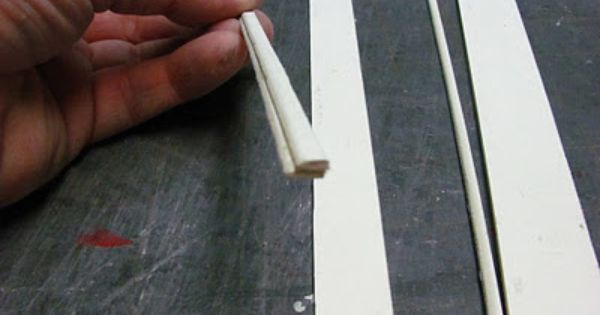 Making Crown Moulding With Mat Board Doll House Flooring Doll House Dollhouse Miniatures Kitchen