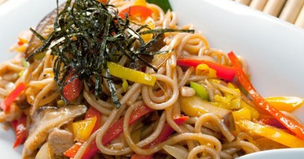 نودلز صيني بالدجاج Recipe Recipes From Heaven Chinese Cabbage Chinese Food