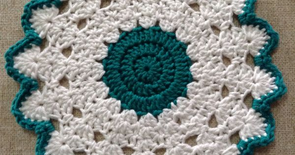 Crochet Stitches Glossary : Crochet Table Mat. Pattern at Patterns for Crochet. U.S./UK terms ...