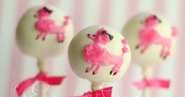 Pink poodle cake pops gepind door www.hierishetfeest.com