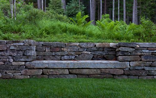 Love the idea of a built-in stone bench! || Matthew Cunningham Landscape