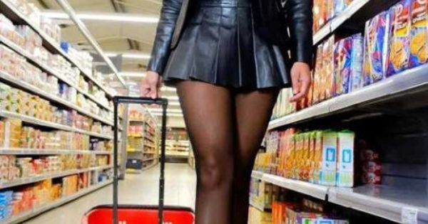 Leatheredstella Frivol Im Supermarkt  Frivolous In The Supermarket  By Www -4729