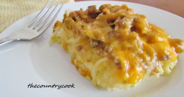The Country Cook: Sausage Hashbrown Breakfast Casserole. Recipe Pinned from: http://www.thecountrycook.net/2011/10/sausage-hashbrown-breakfast-casserole.html