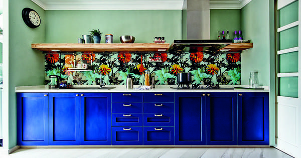 The Royal Blue Colour Of The Kitchen Cabinets Hint At The Classic
